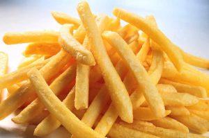 Patates kızartması içerdiği nişastadan dolayı çabuk acıktıran bir yiyecektir.